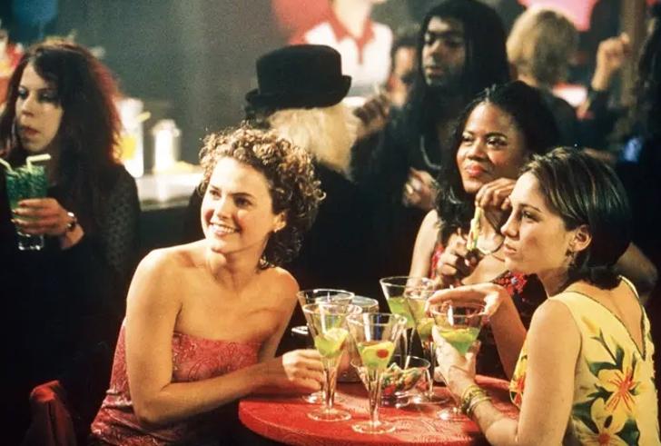 4 16 - 22 mejores y peores cortes de pelo en las series de tv. Sabrina lucía elegante con su melena