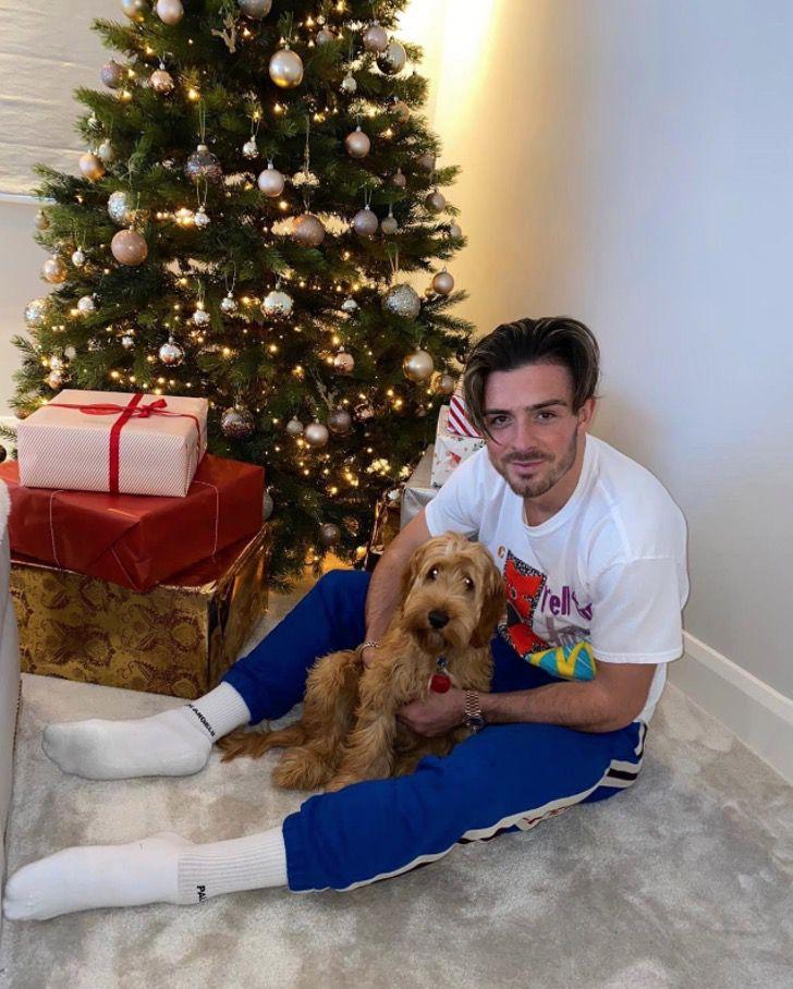 Captura de Pantalla 2021 02 04 a las 13.41.46 - Futbolista llevó a su perro para la firma de su contrato. Está con él en los momentos especiales