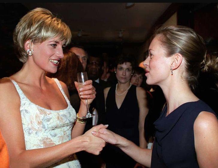 princesa diana famosos10 - 19 fotos de famosos que tuvieron la oportunidad de conocer a la princesa Diana de Gales