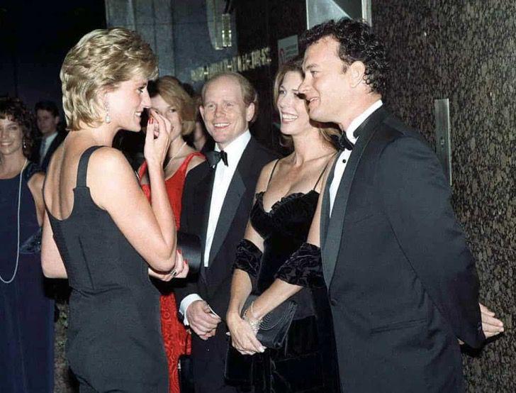 princesa diana famosos17 - 19 fotos de famosos que tuvieron la oportunidad de conocer a la princesa Diana de Gales