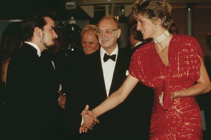 princesa diana famosos18 - 19 fotos de famosos que tuvieron la oportunidad de conocer a la princesa Diana de Gales