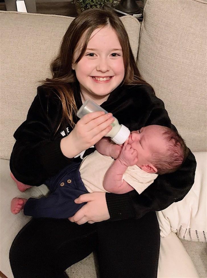 155804189 155464213074693 6242691661024813670 n 55acfd5941b9f0e95438f074c36f6266.fit 760w - Pareja que perdió a 2 bebés en 2 años decidió adoptar a un niño de 2 días de vida. Lo llenan de amor