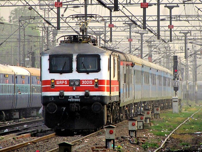 Bhopal-Shatabdi-Express top 10 fastest and express trains in india just info check