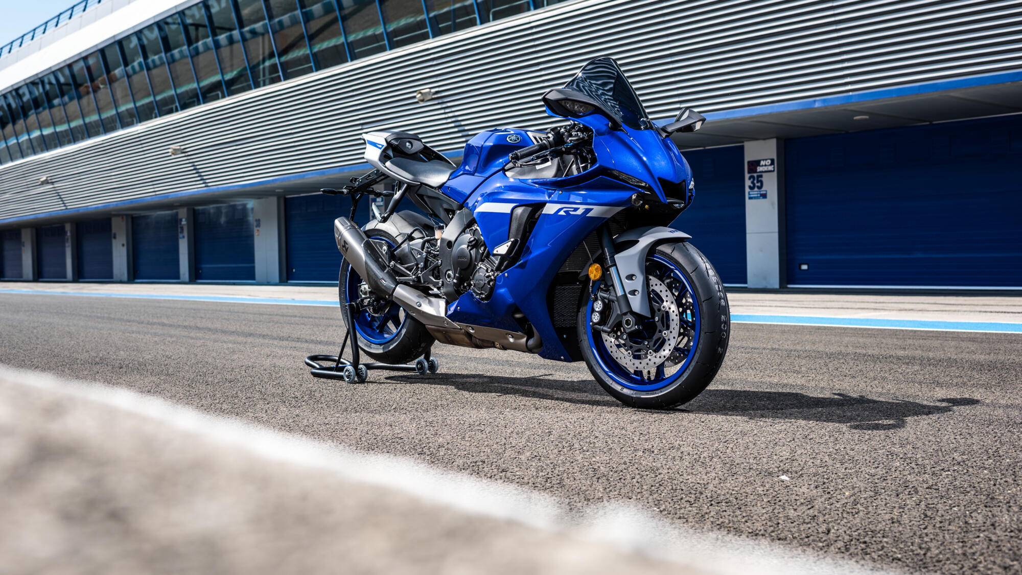 https www yamaha motor eu kv kv products motorcycles supersport yzf r1 accessories