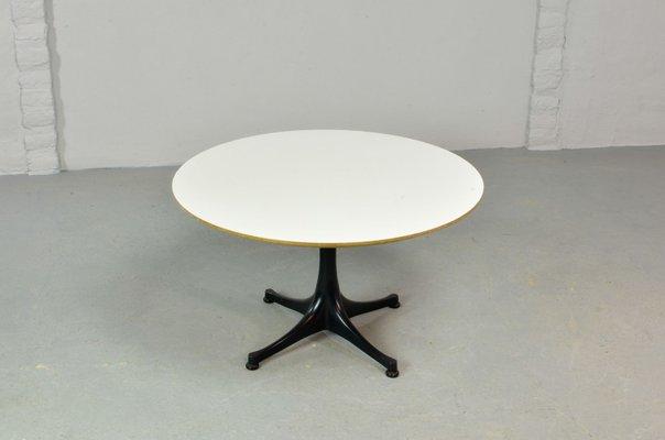 table basse ronde mid century par george nelson pour herman miller