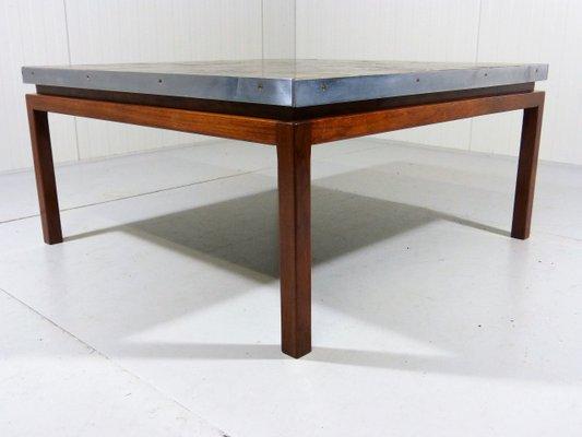 grande table basse mid century carree avec plateau carrele