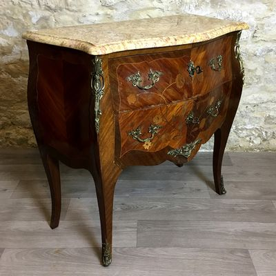 Antique French Commode for sale at Pamono Antique French Commode 2