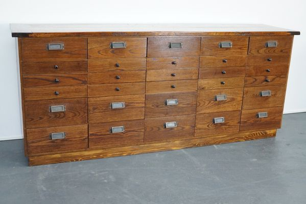 armoire d apothicaire ou meuble a tiroirs en chene allemagne