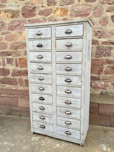 meuble d archivage a 20 tiroirs industriel en bois 1930s