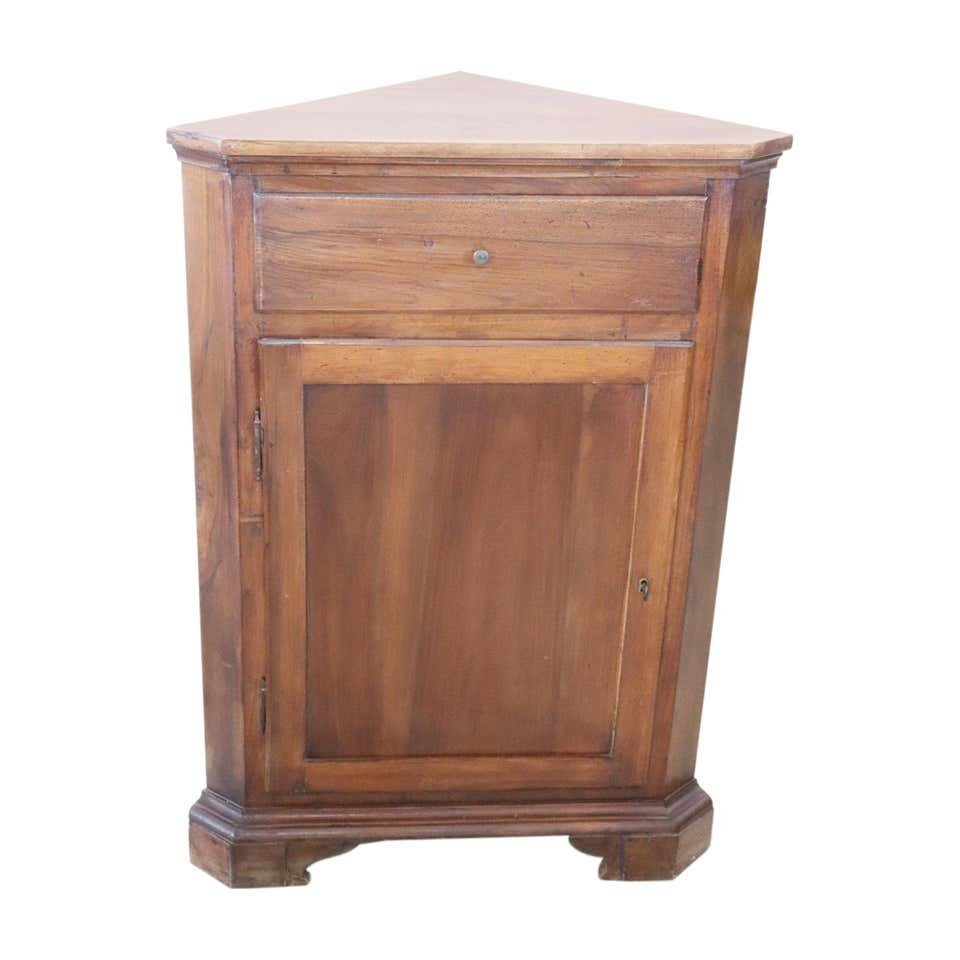 https www pamono fr meuble d angle vintage en noyer 1950s 2