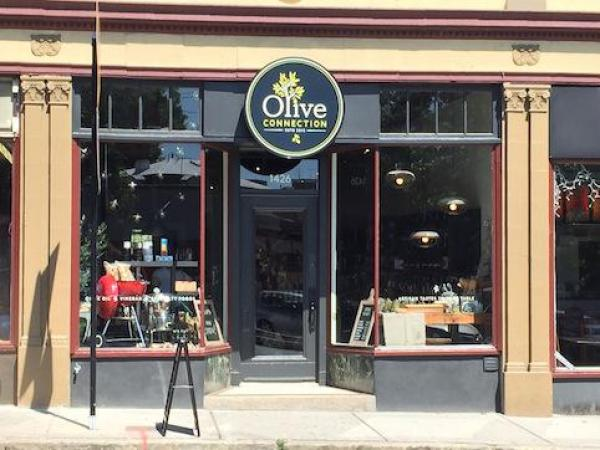 Brookline's Olive Connection Celebrates 1-Year Anniversary
