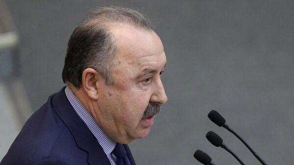 Газзаев: Минспорт должен получить одобрение кабмина для возобновления РПЛ