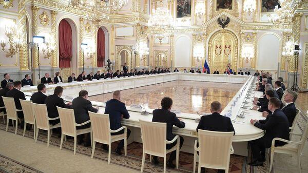 Путин предложил бизнесменам поговорить в неформальной обстановке