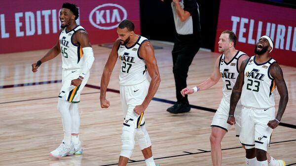 """""""Юта"""" сравняла счет в серии первого раунда плей-офф НБА с """"Денвером"""""""