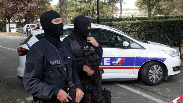 Во Франции неизвестные в масках открыли стрельбу на улице