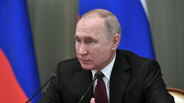 Путин призвал федеральные власти содействовать реализации нацпроектов