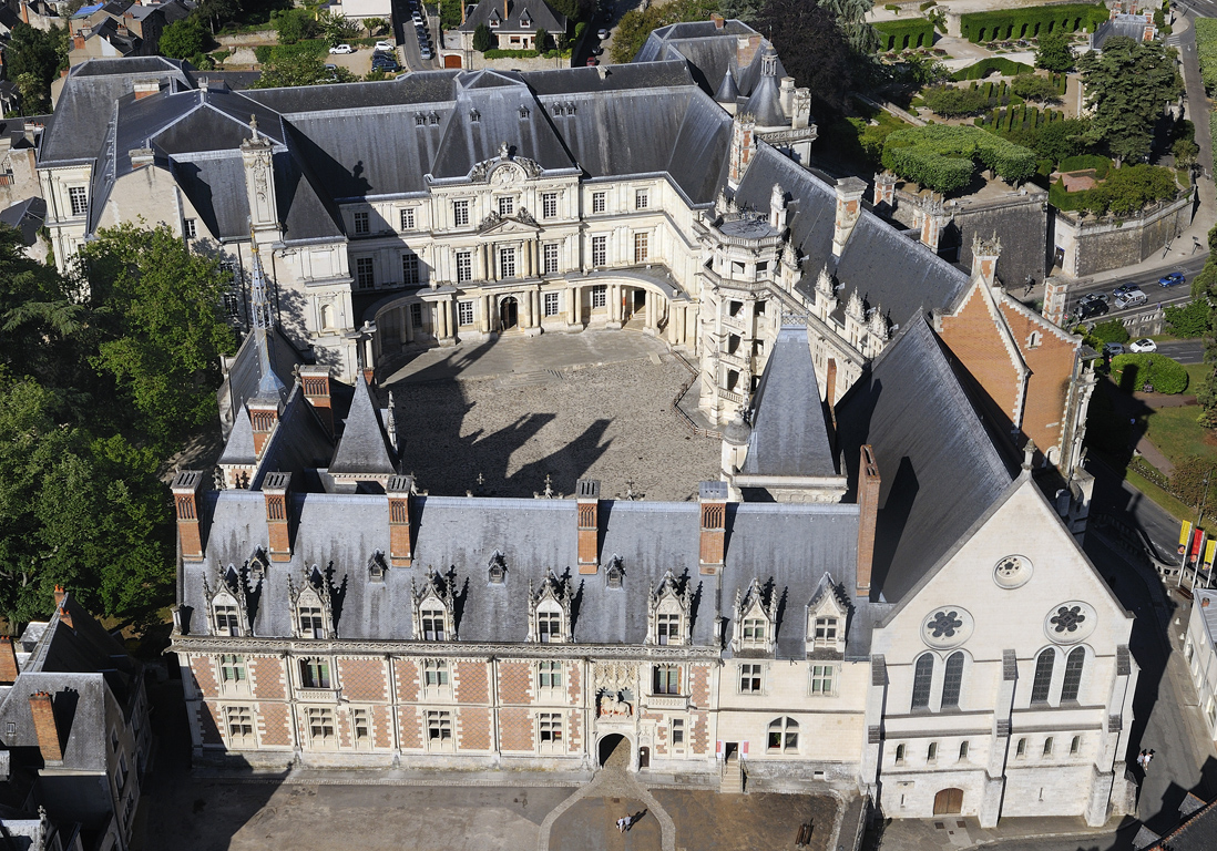 Chteau De Blois 10 Chteaux De La Loire Quon Court
