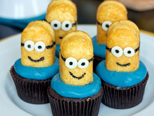 15 Easy To Make Minions Cupcakes Amp Cakes