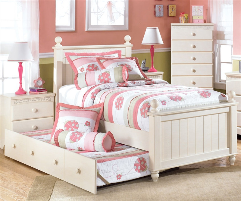 Ashley Furniture Cottage Retreat Poster Bed With Trundle
