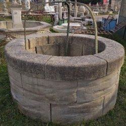 fontaines anciennes et bassins en pierre