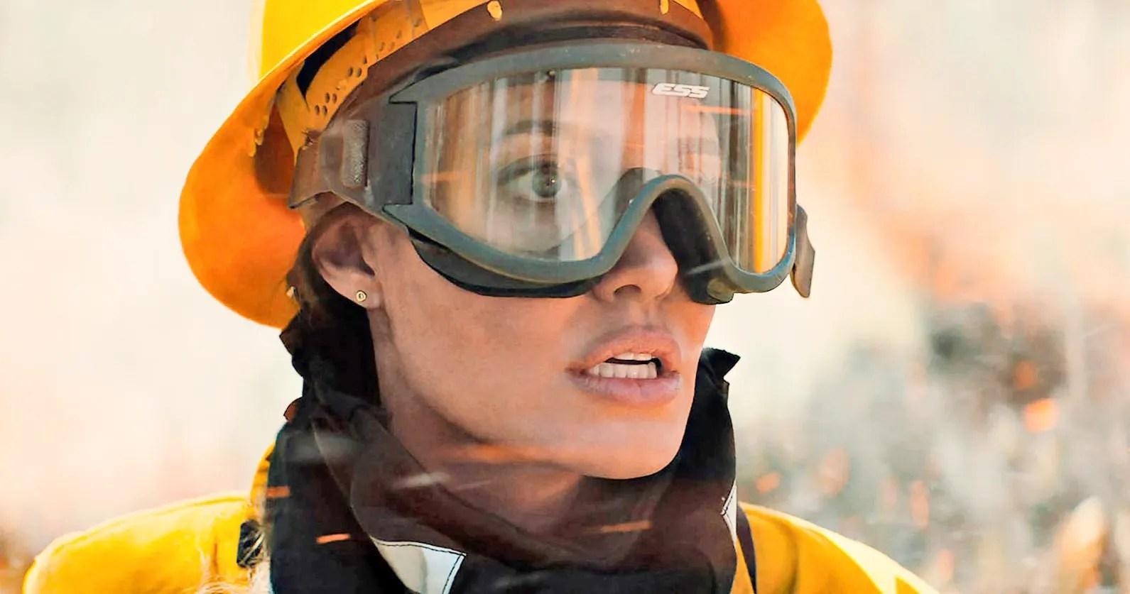 Angelina Jolie Melawan Kebakaran dan Pembunuh di Thriller HBO Max