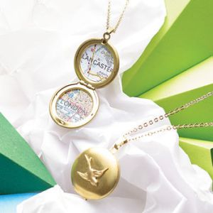 Christmas gifts for travellers, personalized map bird locket