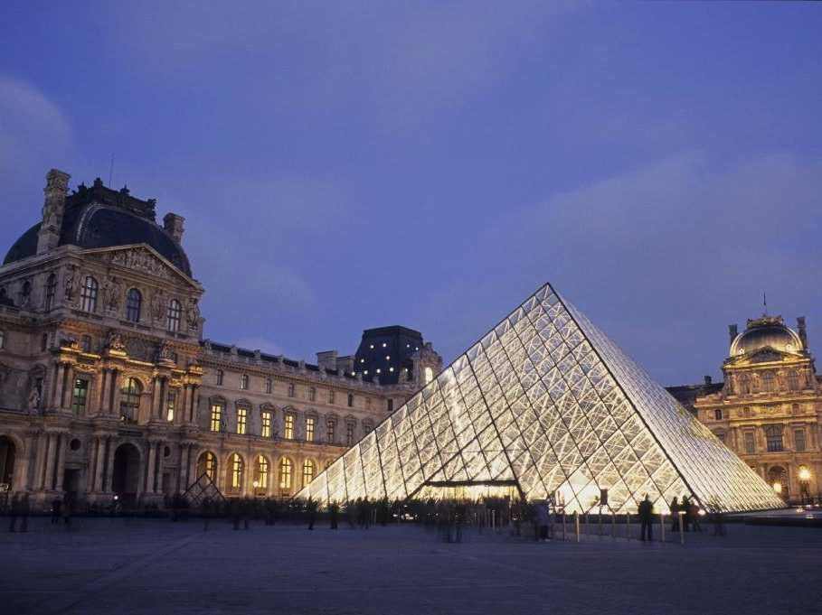 no-19-the-musee-du-louvre-in-paris-is-60000-square-feet