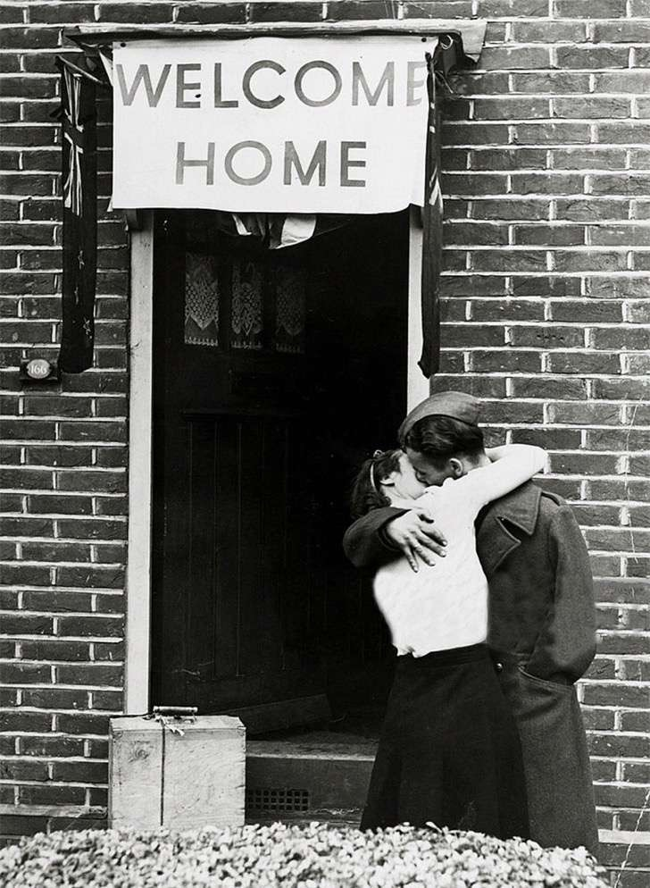 old-photos-vintage-war-couples-love-romance-38-5734409641e9c__880 2