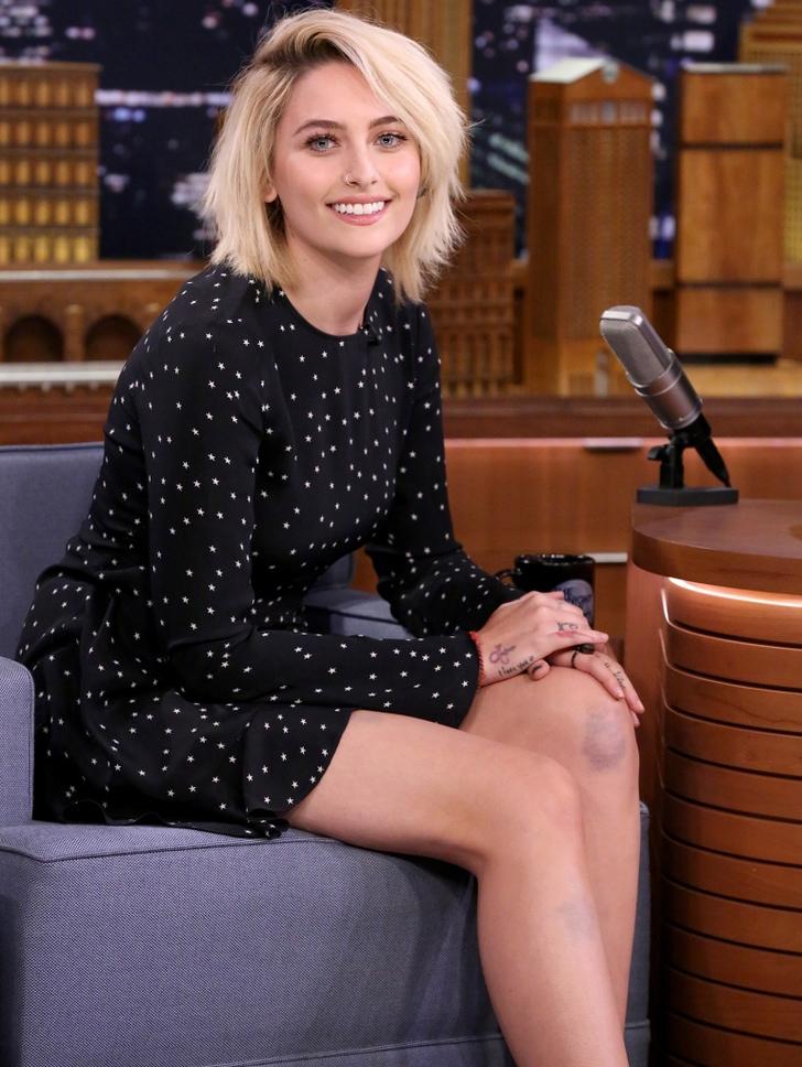 12 30 - 25 famosos que enloquecieron al conocer a sus famosos favoritos. Emma Watson casi llora