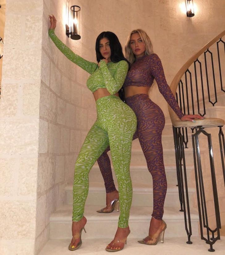 10 23 - 14 veces que Kylie y su mejor amiga Stassie se vistieron iguales. Ya es imposible diferenciarlas