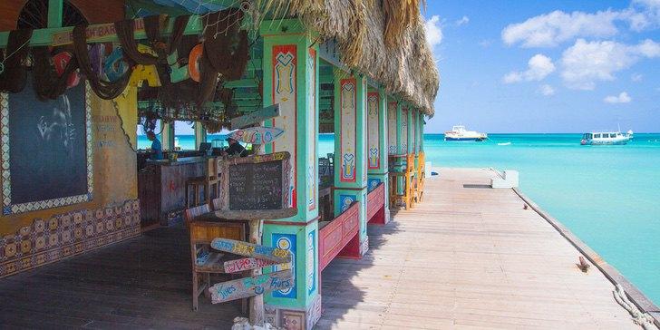Caribe Aruba playa coronavirus vacaciones trabajo0003 - Aruba estaría ofreciendo estadías y empleos para vivir 3 meses. Lo mejor del Caribe, a su alcance