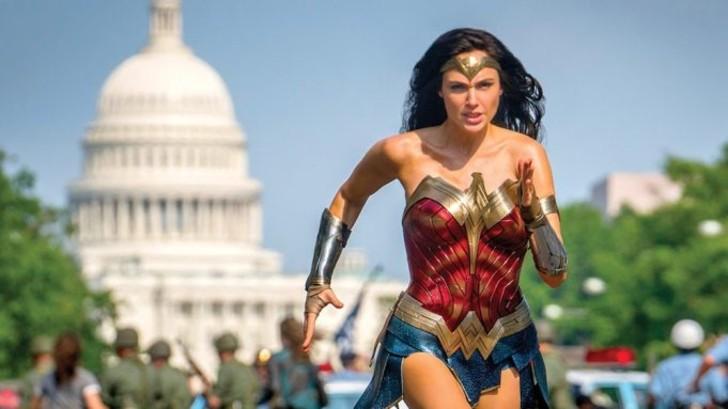 """mujer maravilla 4 - """"Mujer Maravilla 1984"""" supera los 100 millones de dólares en taquilla. La industria celebra el éxito"""