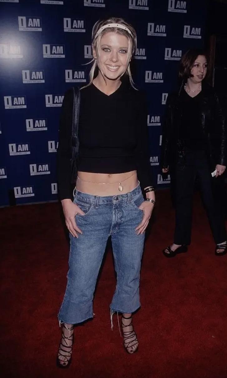 """11 15 - 25 terribles looks que los famosos presumían como """"estilosos"""". Christina Aguilera mostraba su tanga"""