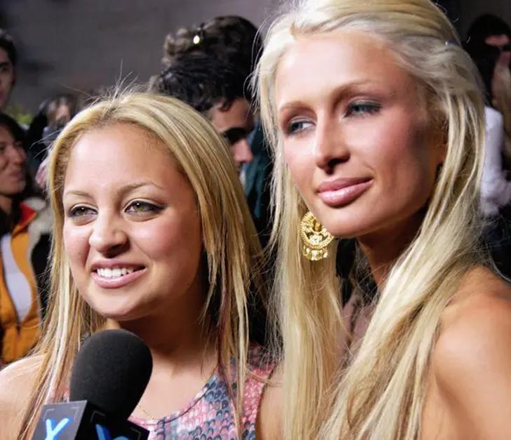 """18 10 - 25 terribles looks que los famosos presumían como """"estilosos"""". Christina Aguilera mostraba su tanga"""