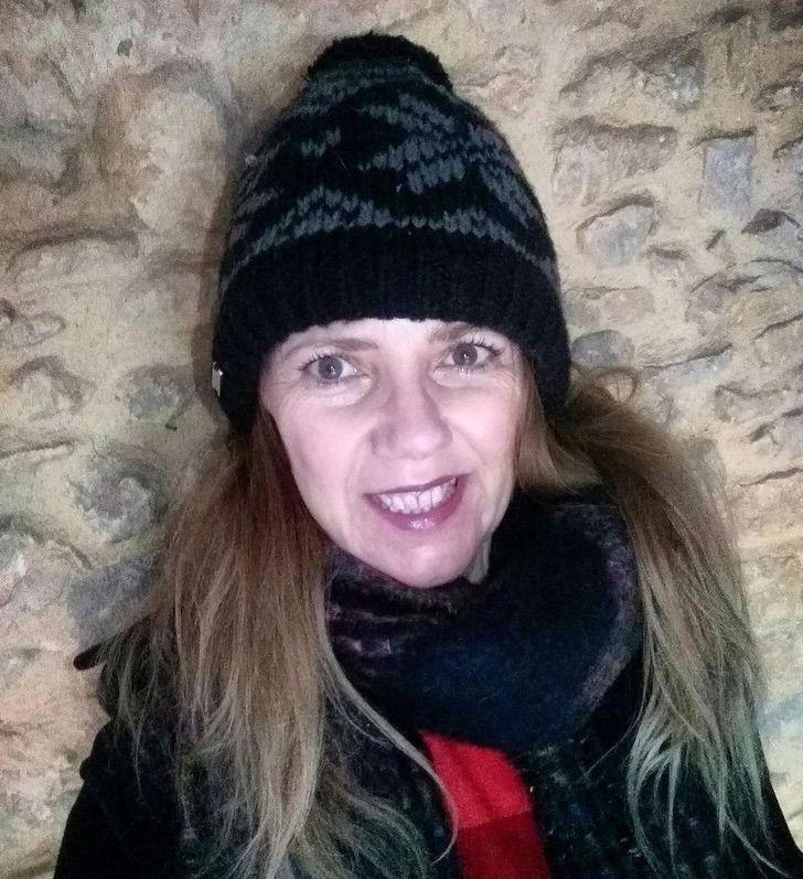 """mujer critica madres colegio en casa0004 - """"Elegiste tener hijos, la escuela no es una niñera"""": Mujer atacó a madres cansadas de educar online"""