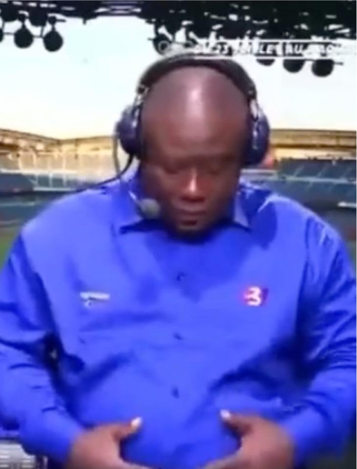 Captura de Pantalla 2021 07 29 a las 17.40.23 - Comentarista marfileño celebra con bailecitos el pase a cuartos de su selección de fútbol. Hay ritmo