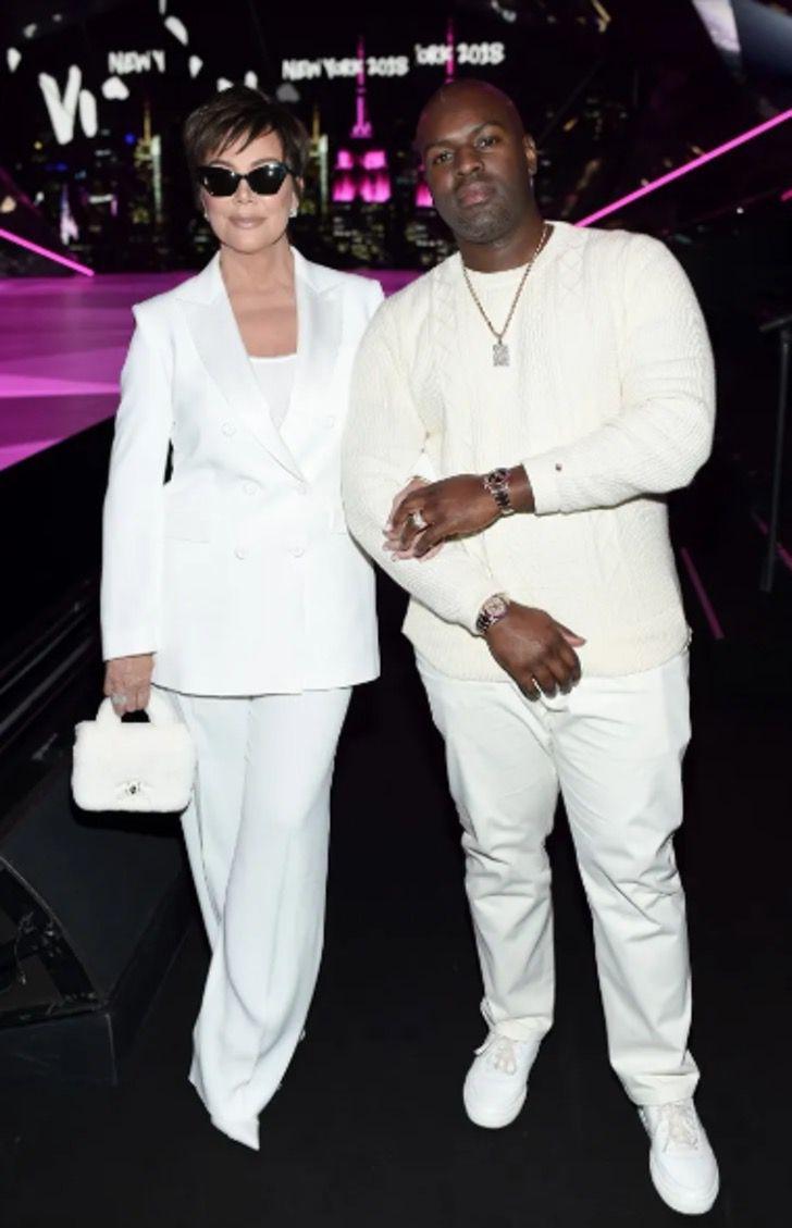 parejas famosos visten igual15 - 18 parejas de famosos que les encanta vestirse igual. Katie Holmes y su novio parecen gemelos