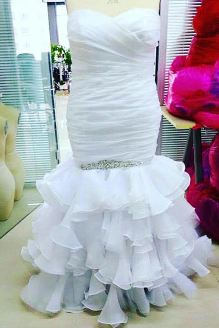 """novia vestido al reves1 - Novia reclama porque su vestido """"no es el que compró"""". Se lo había puesto al revés"""