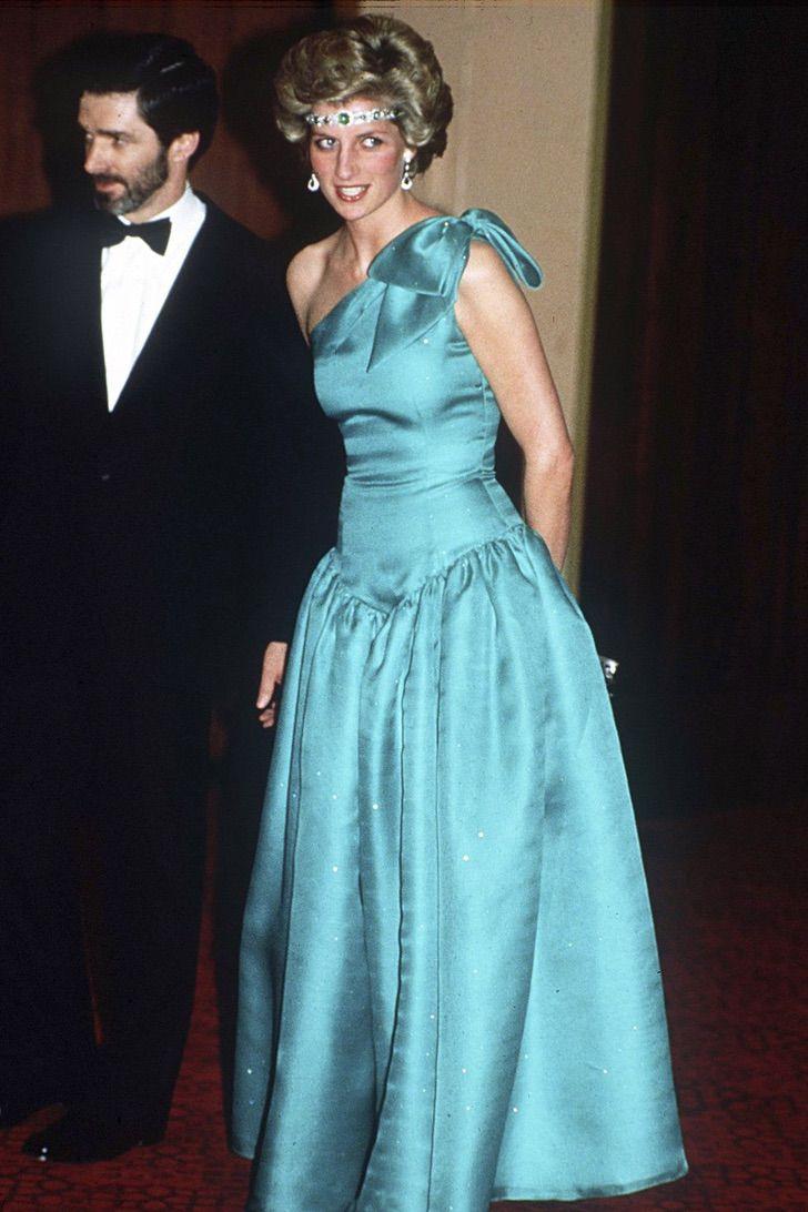 lady di princesa 18 - 20 elegantes atuendos con los que la princesa Diana se vio como una auténtica princesa