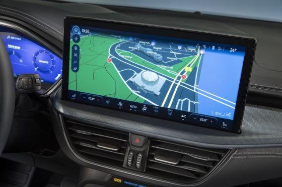 Новият Ford Focus дебютира с огромен екран в кабината