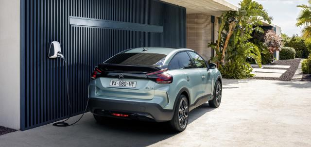 More about the Citroen crossover, which is something between a crossover and a hatchback