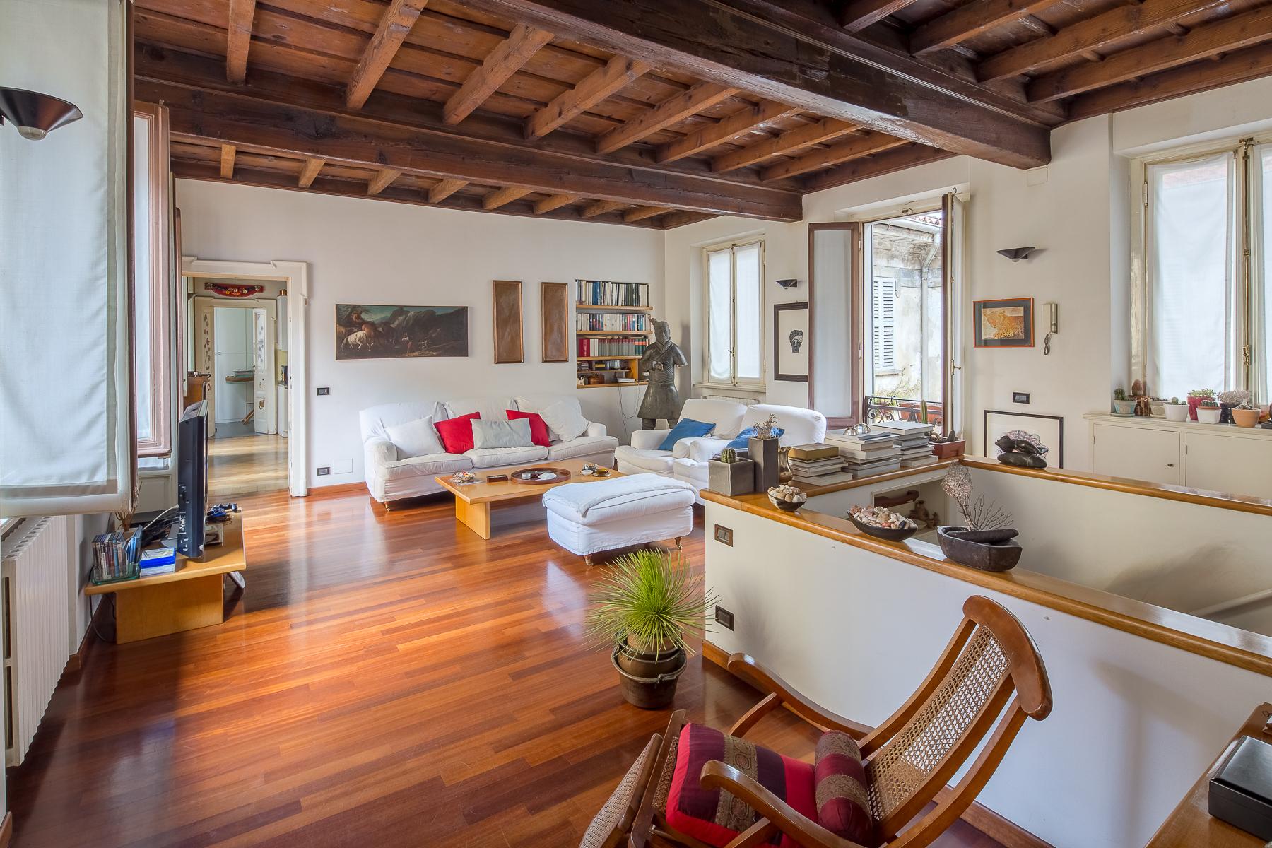 Casa Indipendente Di Lusso In Vendita A Milano Via Zebedia
