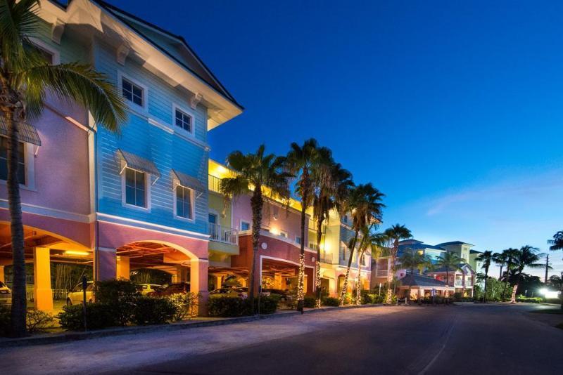 hotel lighthouse resort inn suites