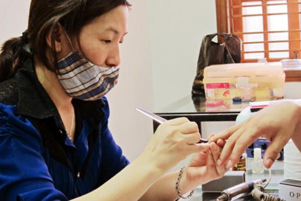 A Student At Nail Academy In Haiphong