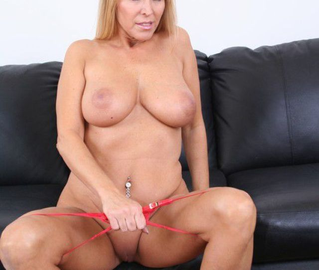 Gifs Cougars Pussy Xxx Creed