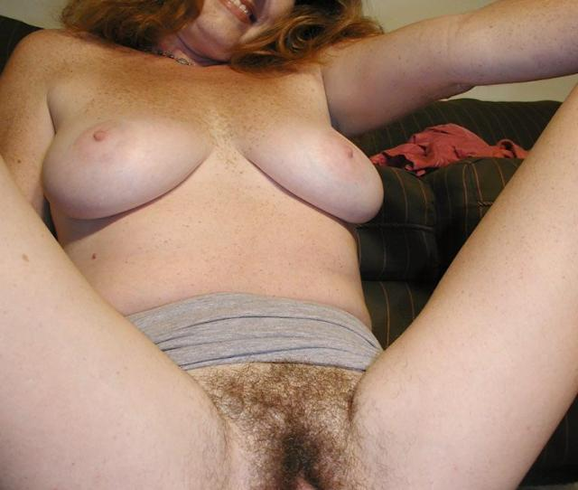 Spreads Pussy Mom Loose