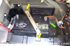 BMW E39 5Series Battery Replacement | 19972003 525i, 528i, 530i, 540i | Pelican Parts DIY