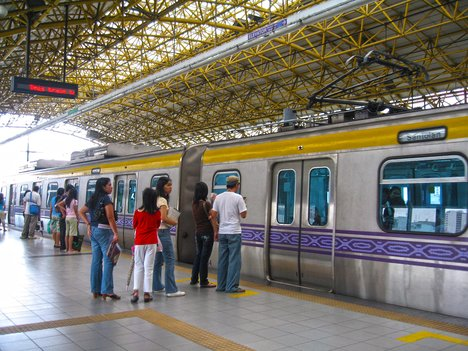 image of LRT2, going from Recto Ave. to Santolan