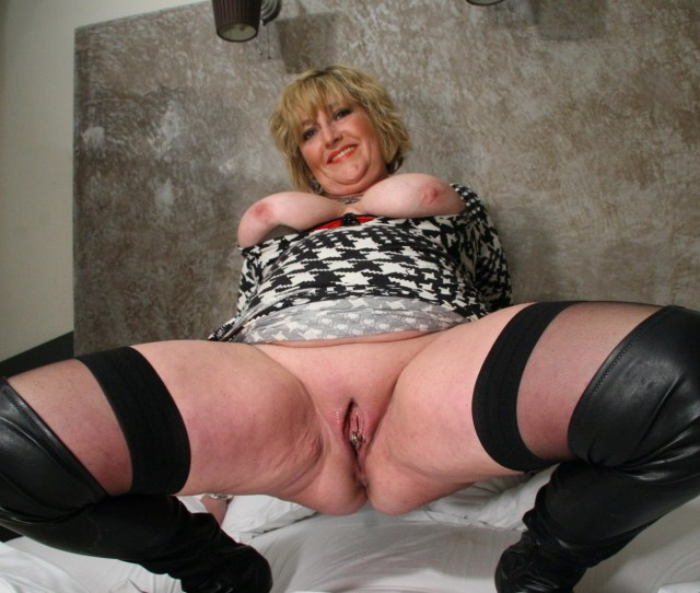 Horny Moms And Grannys