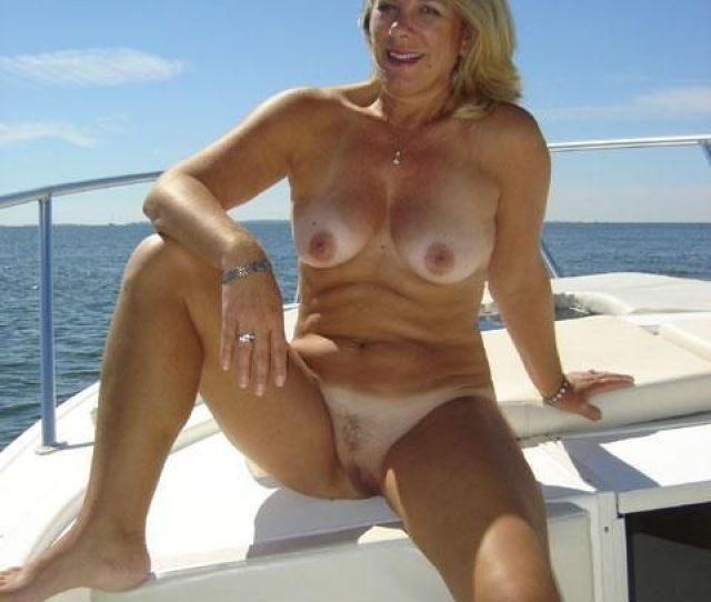 Amateur Nude Cougars With Tan Lines Jpg
